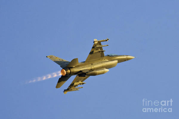 Delta Wing Photograph - F-16 - D002723 by Daniel Dempster