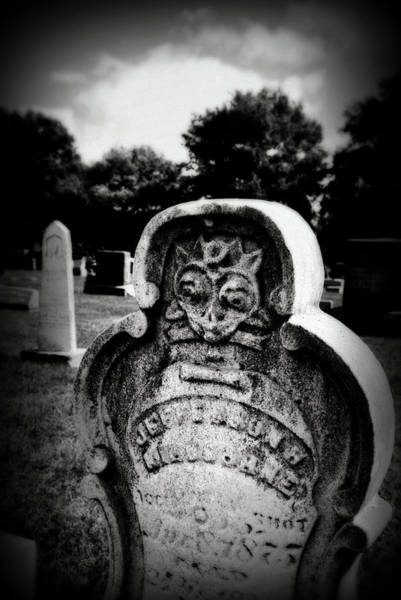 Photograph - Face In The Grave by Lora Mercado