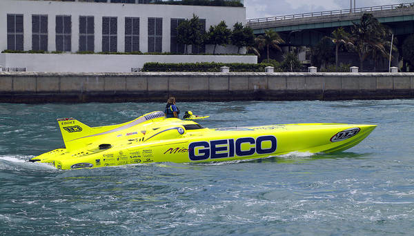 Photograph - Geico Race Boat by Rudy Umans