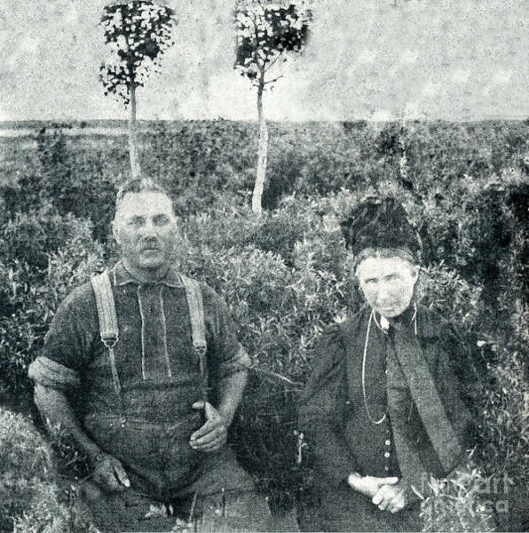 Photograph - George And Mary Anne Fawkes by Donna L Munro