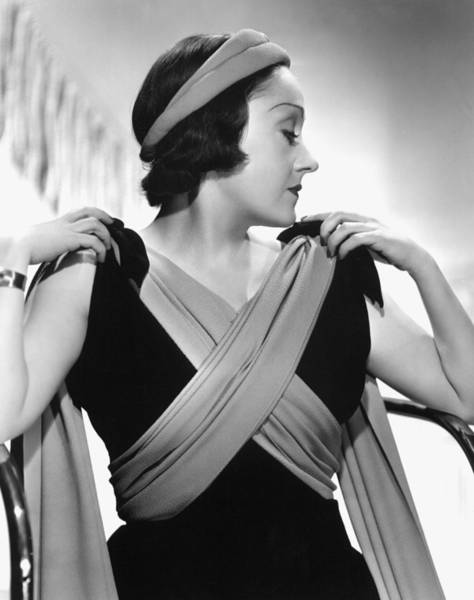 Gloria Swanson Photograph - Gloria Swanson Photographed By Mgms by Everett