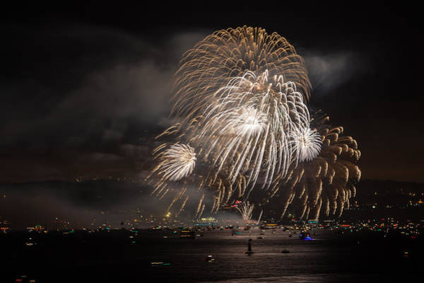 Photograph - Golden Gate 75th Fireworks 12 by Peter Dyke