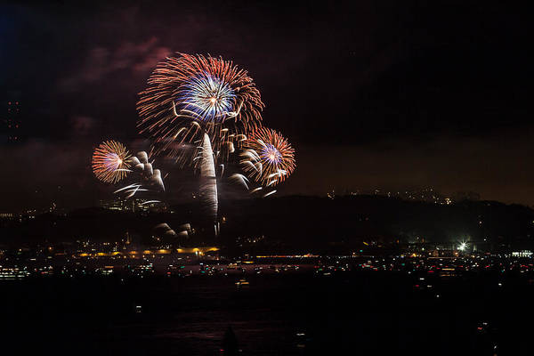 Photograph - Golden Gate 75th Fireworks 20 by Peter Dyke