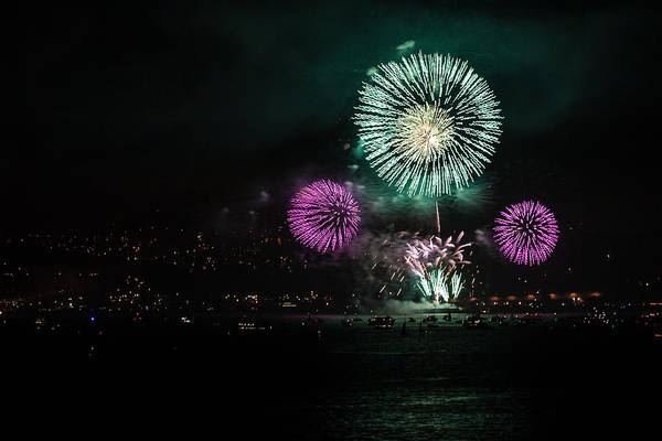 Photograph - Golden Gate 75th Fireworks 25 by Peter Dyke