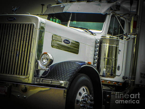 Freightliner Wall Art - Photograph - Graebel Pete by Chuck Re