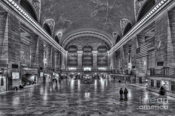 Photograph - Grand Central Terminal Vi by Clarence Holmes