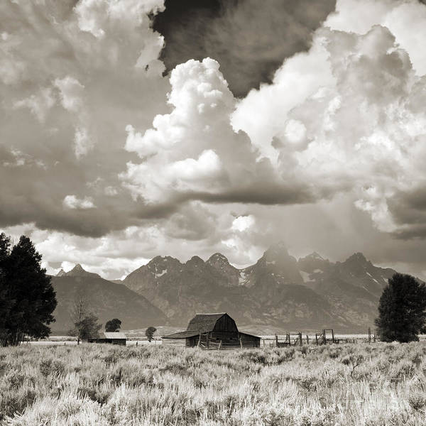 Jackson Hole Wall Art - Photograph - Grand Tetons Jackson Barn by Dustin K Ryan