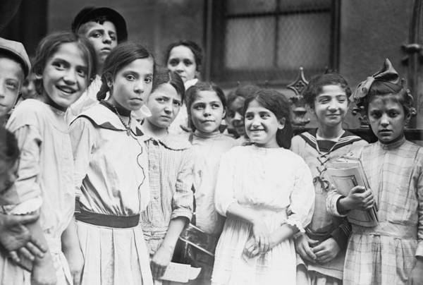 Italian Immigrants Wall Art - Photograph - Group Of Italian-american School Girls by Everett