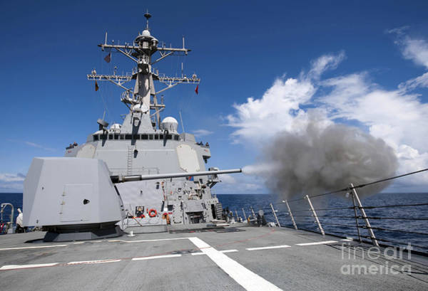 Mounted Shooting Photograph - Guided-missile Destroyer Uss Pinckney by Stocktrek Images