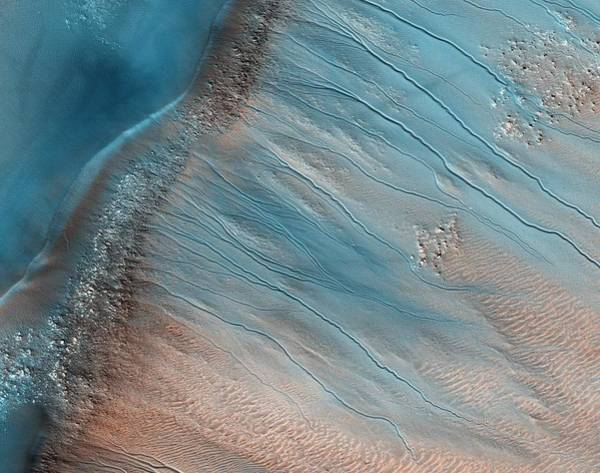 Gully Photograph - Gullies On Mars by Nasajpluniversity Of Arizona