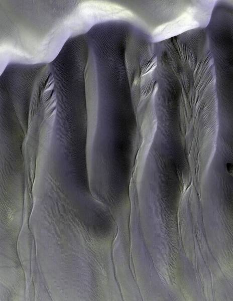 Gully Photograph - Gullies On Martian Sand Dunes by Nasajpluniversity Of Arizona