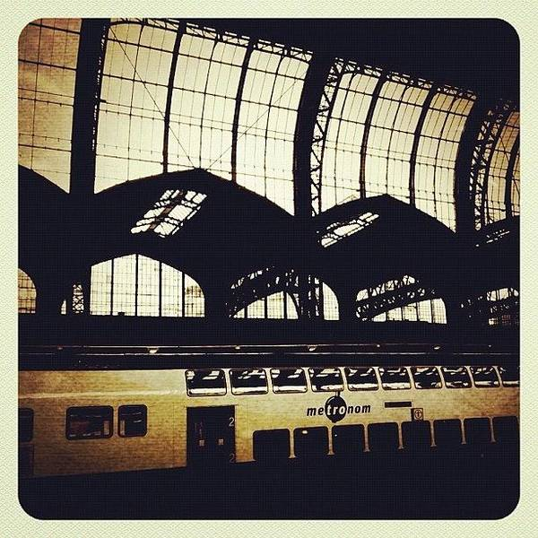 Steel Photograph - Hauptbahnhof Hamburg #central by Valnowy Photography