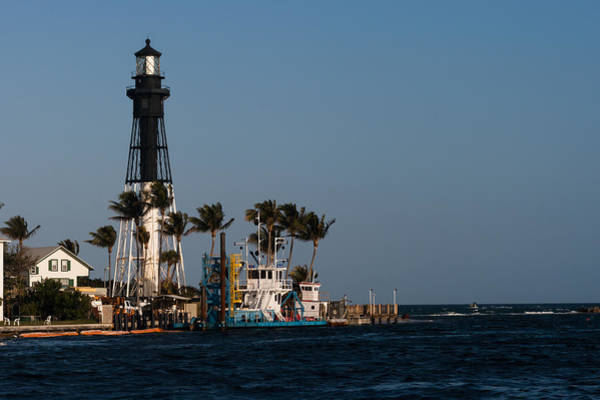 Photograph - Hillsboro Inlet Light by Ed Gleichman