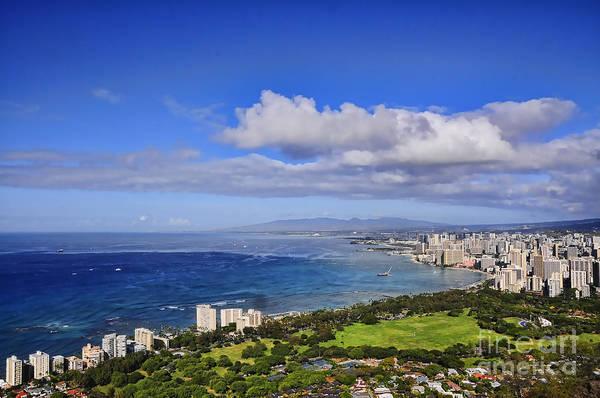 Photograph - Honolulu From Diamond Head by Gary Beeler