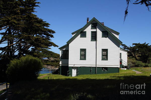 Pt. Reyes Photograph - House At Point Reyes Calfornia . 7d16125 by Wingsdomain Art and Photography