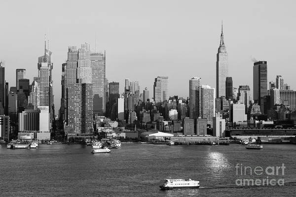 Photograph - Hudson River And Manhattan Skyline II by Clarence Holmes
