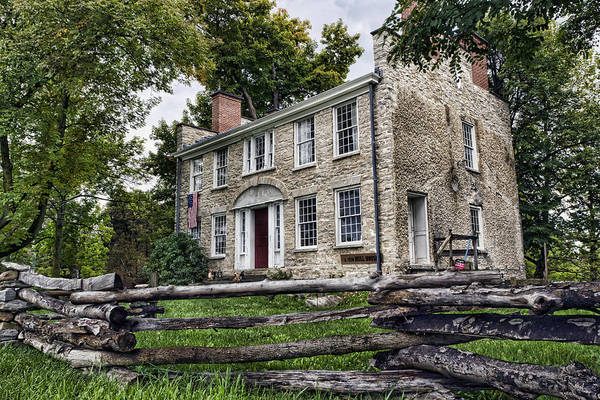 Dwelling Photograph - Hull House 1810 by Peter Chilelli