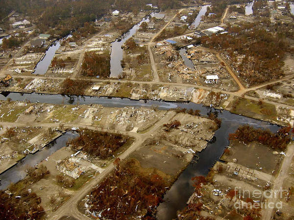 Wall Art - Photograph - Hurrican Katrina Damage by Science Source