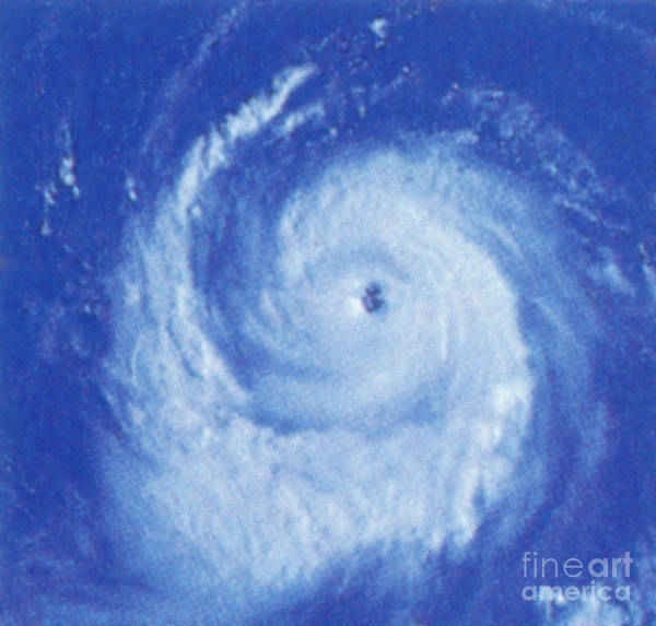 Wall Art - Photograph - Hurricane Sequence, 3 Of 3 by Science Source