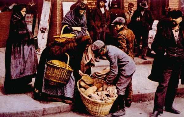 Italian Immigrants Wall Art - Photograph - Italian Immigrants Selling Bread by Everett