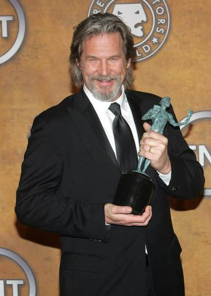 Wall Art - Photograph - Jeff Bridges In The Press Room For 16th by Everett