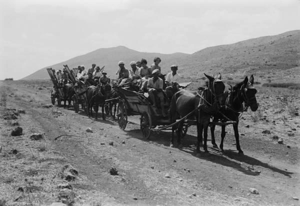 Kibbutz Photograph - Jewish Settlers Arriving To Establish by Everett