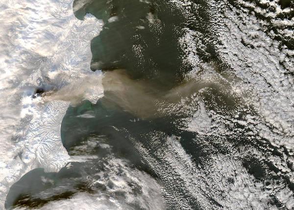 Kamchatka Photograph - Klyuchevskaya Volcano by Nasa