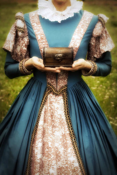 Elizabethan Wall Art - Photograph - Lady With A Chest by Joana Kruse