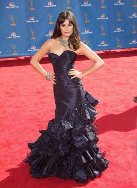 Nokia Photograph - Lea Michele Wearing An Oscar De La by Everett