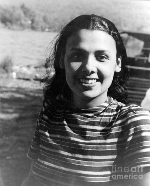Photograph - Lena Horne (1919-2010) by Granger