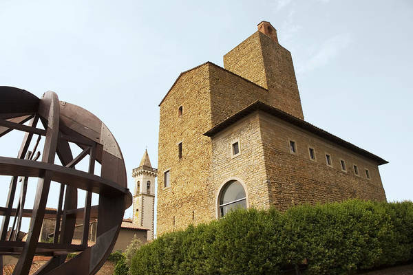 Croce Photograph - Leonardo Da Vinci Museum, Italy by Sheila Terry