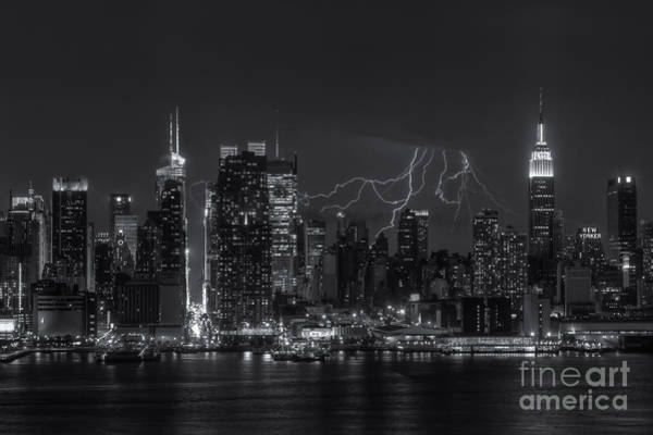 Photograph - Lightning Over New York City Iv by Clarence Holmes