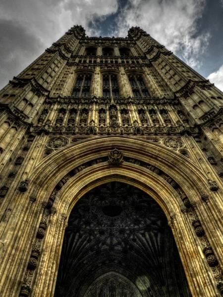 Photograph - London 010 by Lance Vaughn