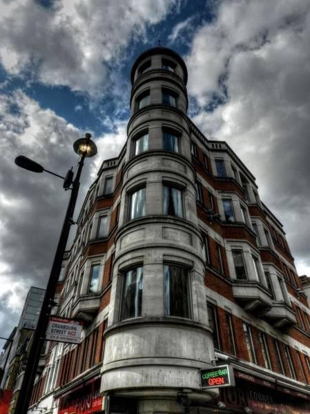 Photograph - London 029 by Lance Vaughn