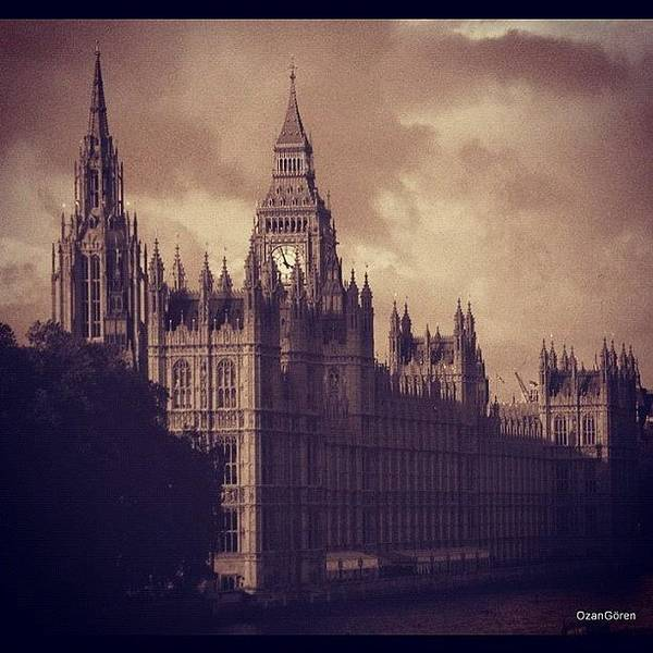 London Wall Art - Photograph - #london 05.10.1605 by Ozan Goren