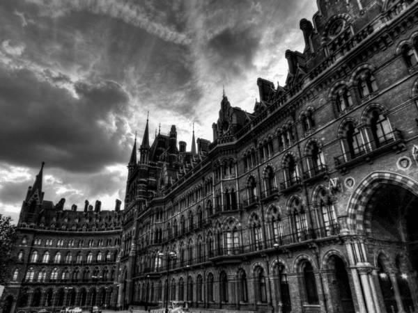 Photograph - London 58 by Lance Vaughn