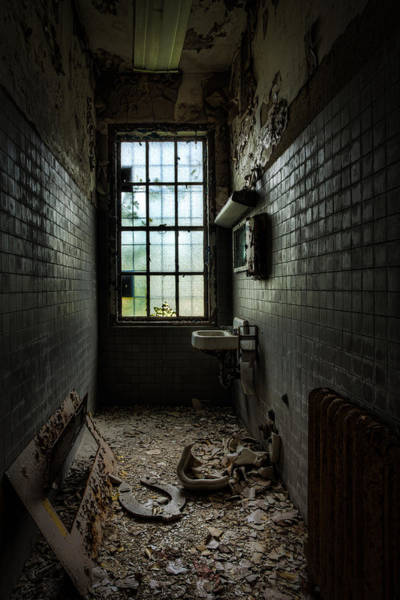 Photograph - Long Narrow Lavatory by Gary Heller