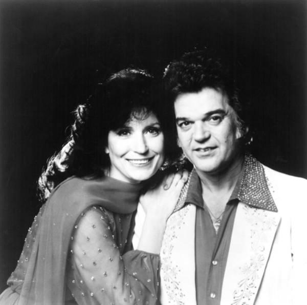 Lean-tos Photograph - Loretta Lynn And Conway Twitty, Circa by Everett