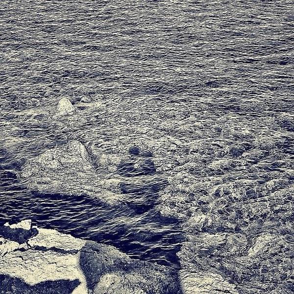 Jesus Photograph - Love Is In The Sea by Jesus Muro Razuri