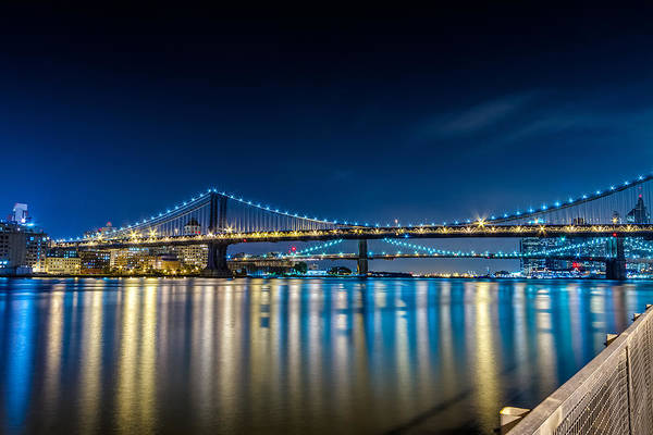 Manhattan Bridge And Light Reflections In East River. Art Print
