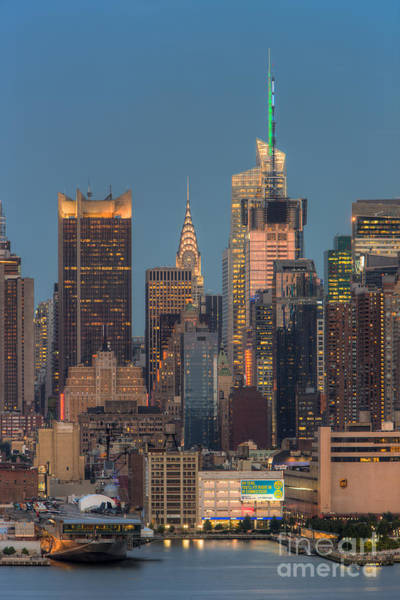 Photograph - Manhattan Twilight V by Clarence Holmes