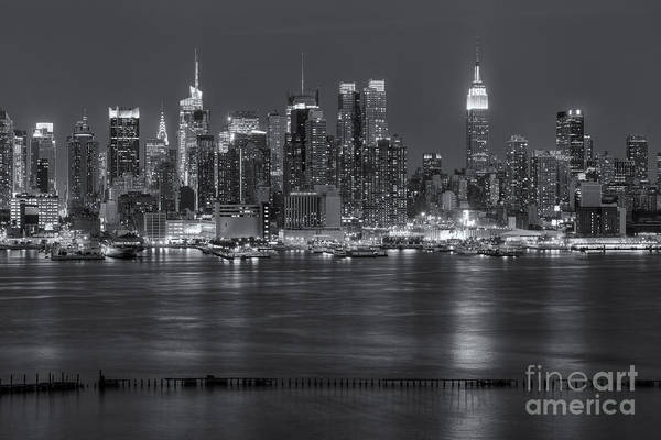 Photograph - Manhattan Twilight Vii by Clarence Holmes