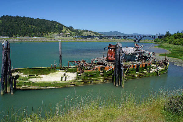 Rogue River Wall Art - Photograph - Mary D. Hume Wreck by Rick Mann