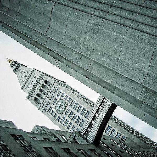 Wall Art - Photograph - Met Life Tower (1909) - Ny by Joel Lopez