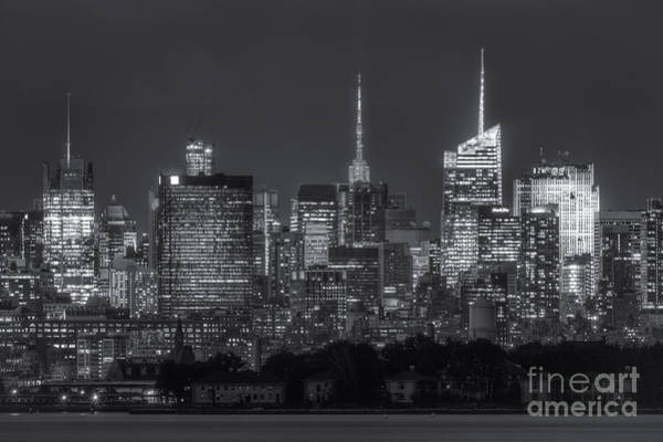 Photograph - Mid-town Manhattan Twilight II by Clarence Holmes