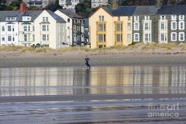 Barmouth Photograph - Mirrored Run by Ed Lukas