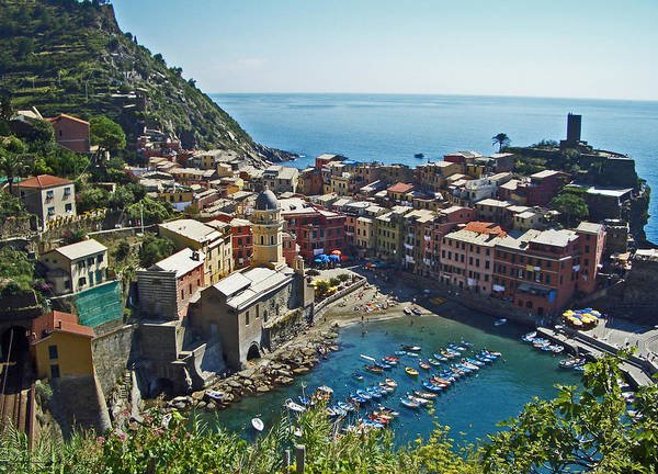 Photograph - Monterosso Italy by Russell Todd