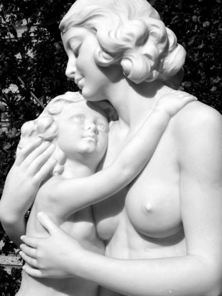 Photograph - Mother And Daughter Statue  by Jeff Lowe