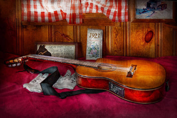 Photograph - Music - Guitar - That Old Country Feel by Mike Savad