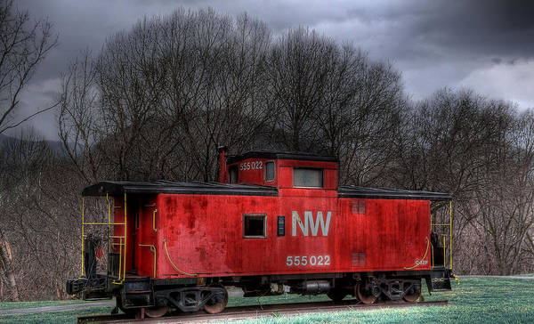Red Caboose Photograph - N W Caboose by Todd Hostetter